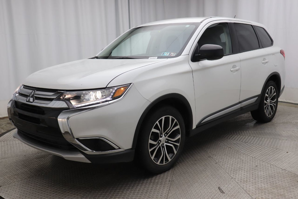 Pre-Owned 2016 Mitsubishi Outlander AWC 4dr ES